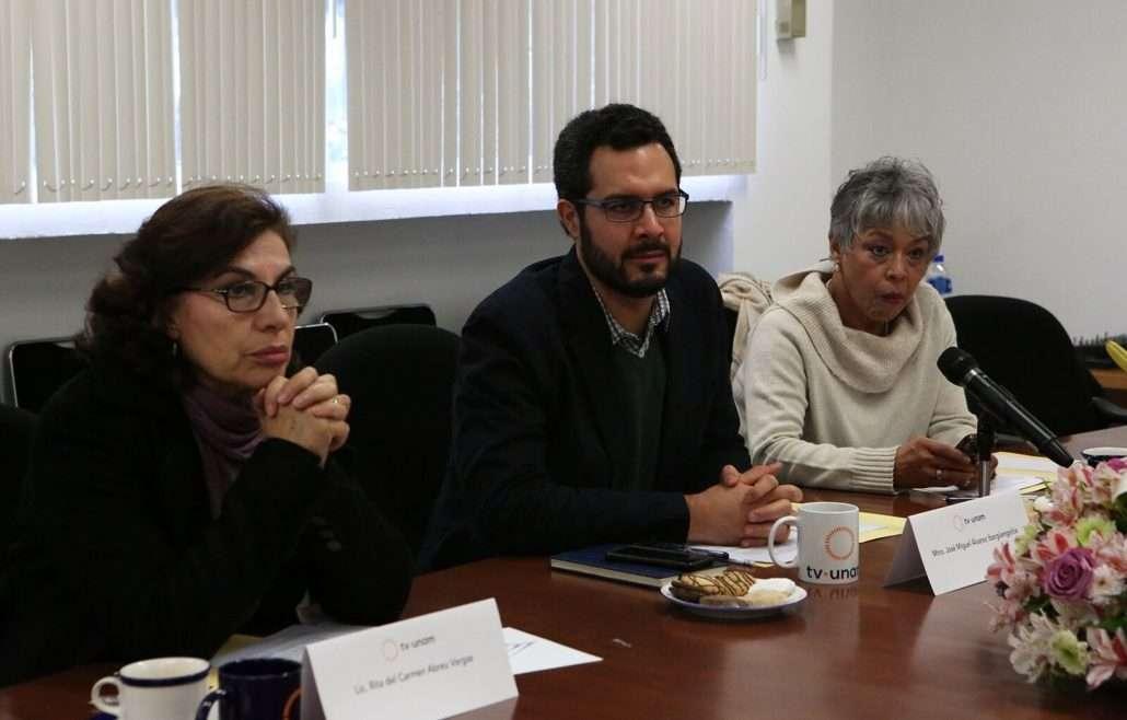 También estuvieron presentes el maestro José Miguel Álvarez Ibargüengoitia, la licenciada Rita del Carmen Abreu Vargas y la licenciada María Guadalupe Cortés.